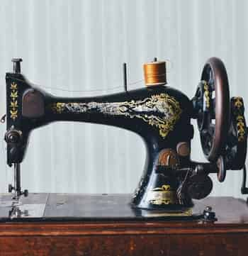 best mechanical sewing machine in India