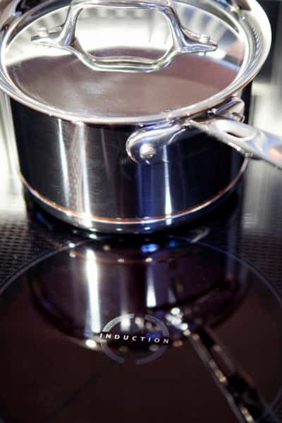 aluminium cookware on induction cooktop