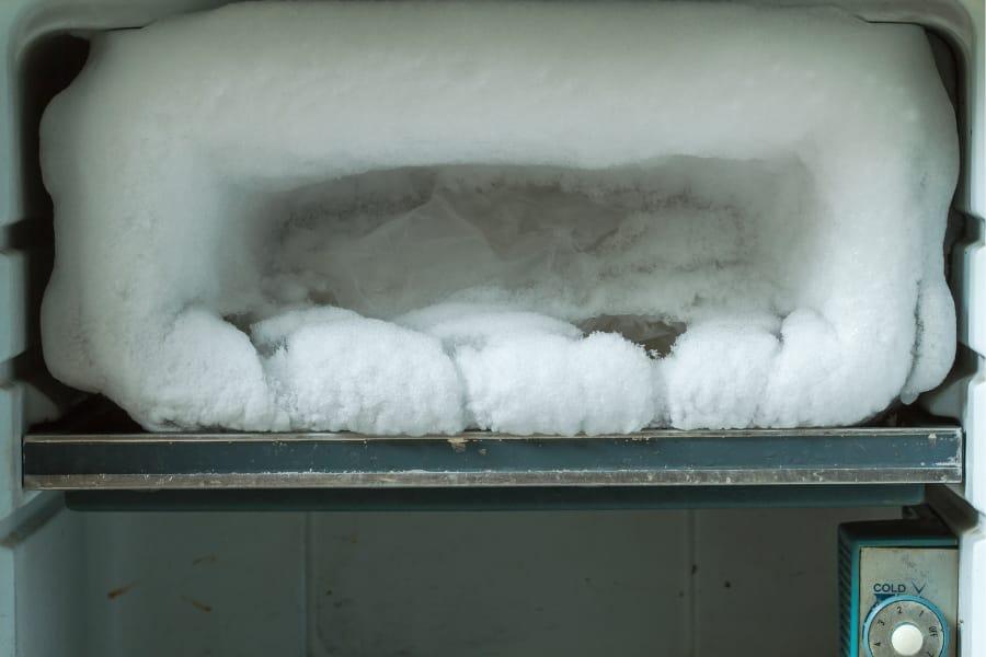 when to defrost refrigerator