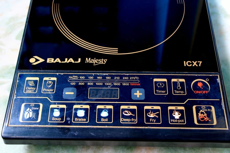 control panel and menu of Bajaj Majesty ICX 7 Induction Cooktop