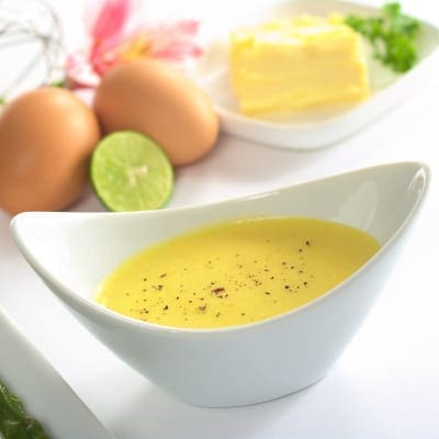 Making Hollandaise Sauce with hand blender